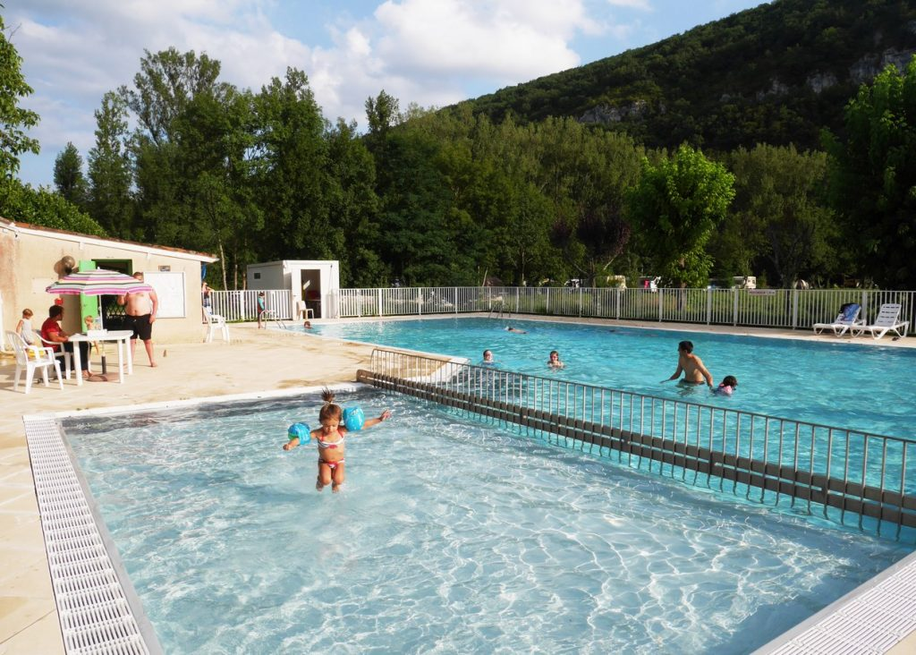 camping piscine lot Piscine LOT Camping**