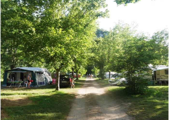 camping avec piscine dans le lot